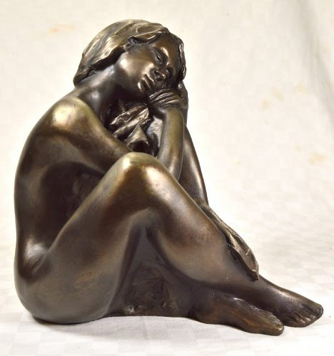 Figurative sculpture of a nude woman