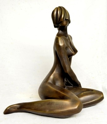 Modern statue of nude woman